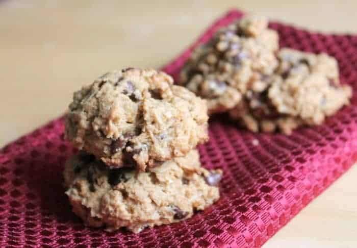 Peanut Butter Chocolate Chip Oatmeal Cookies - Organize Yourself ...