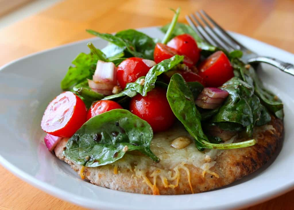 Salad Pizza Recipe: Baby Spinach with Red Onion Tomato and Crumbly Blue Cheese