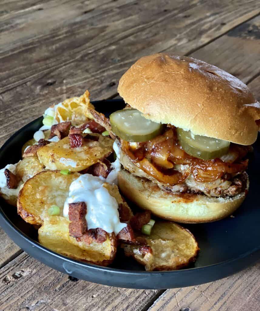 bacon buckaroos burger