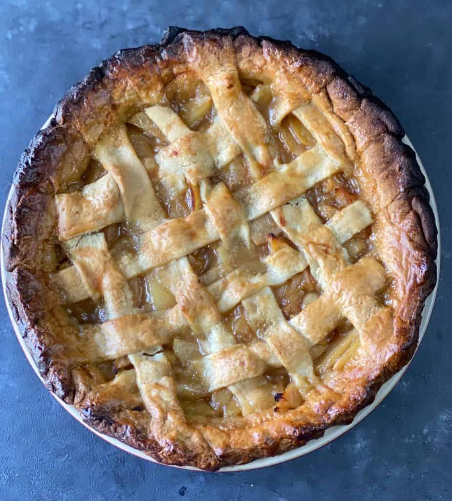 Healthy apple pie for easter brunch