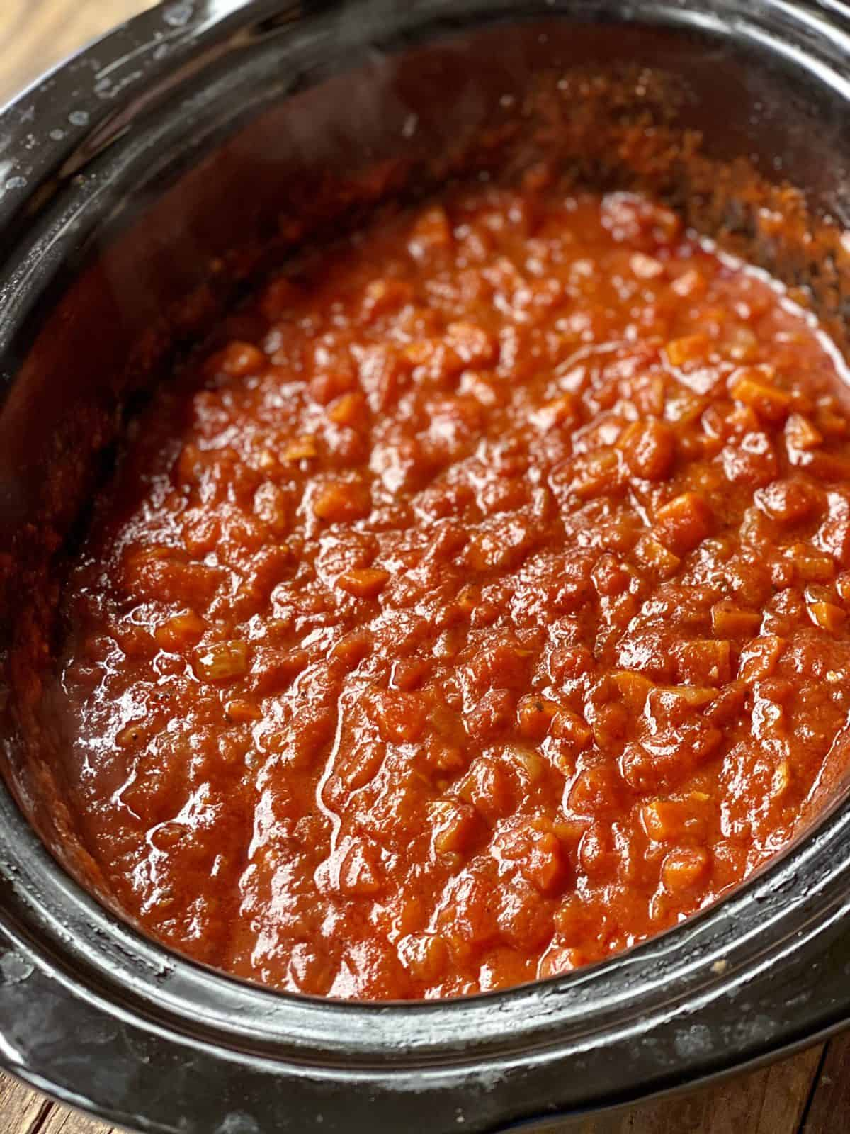 vegan marinara sauce in the slow cooker