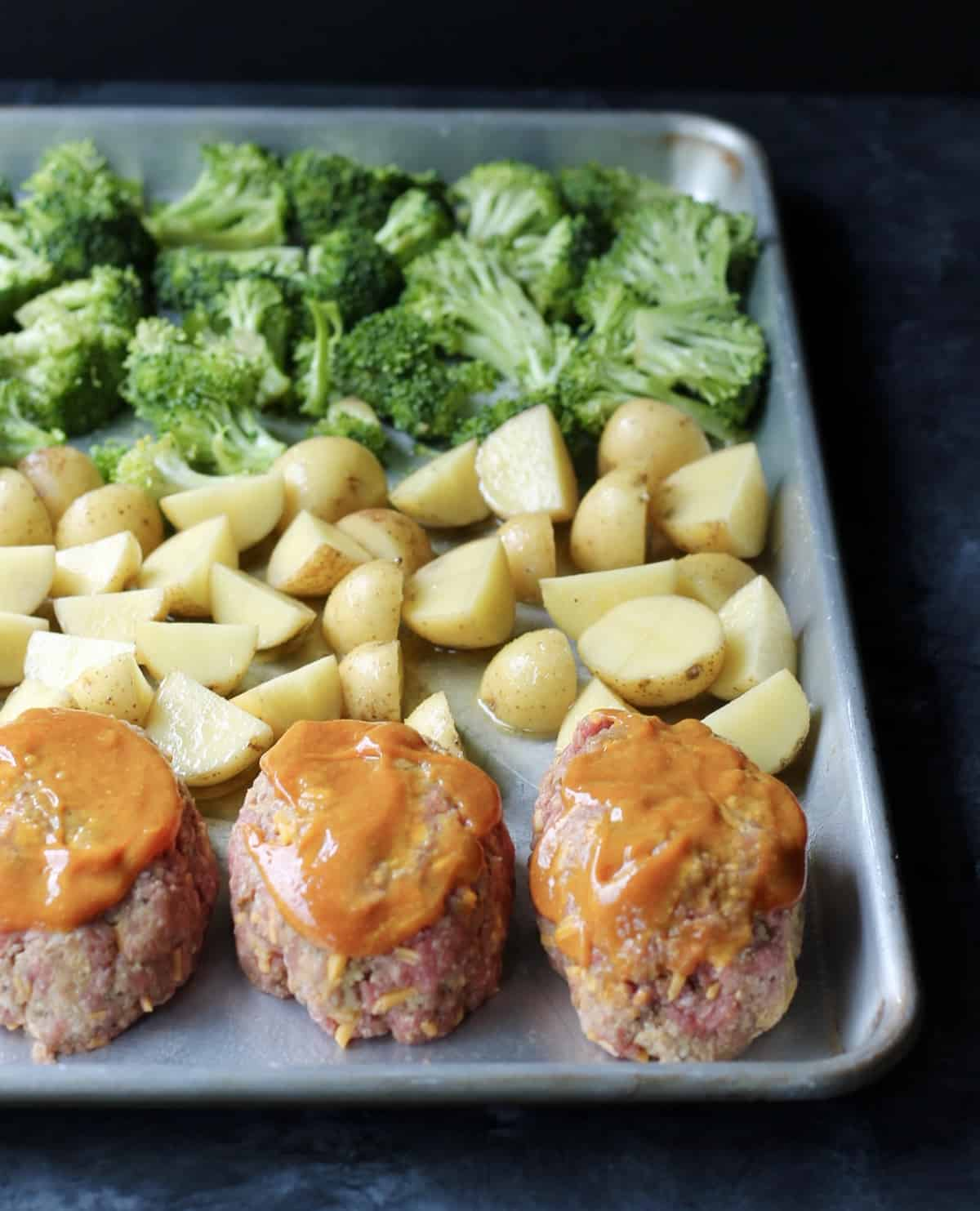 mini meat loaf recipe with broccoli and baby potatoes