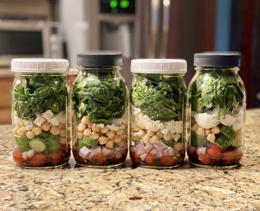 mason jar salad for the week