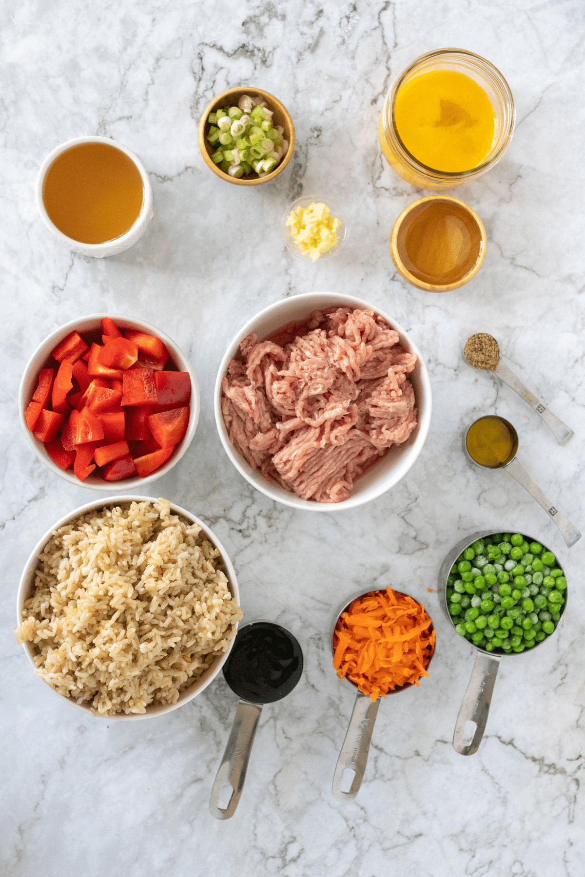 ingredients to make healthy turkey fried rice.