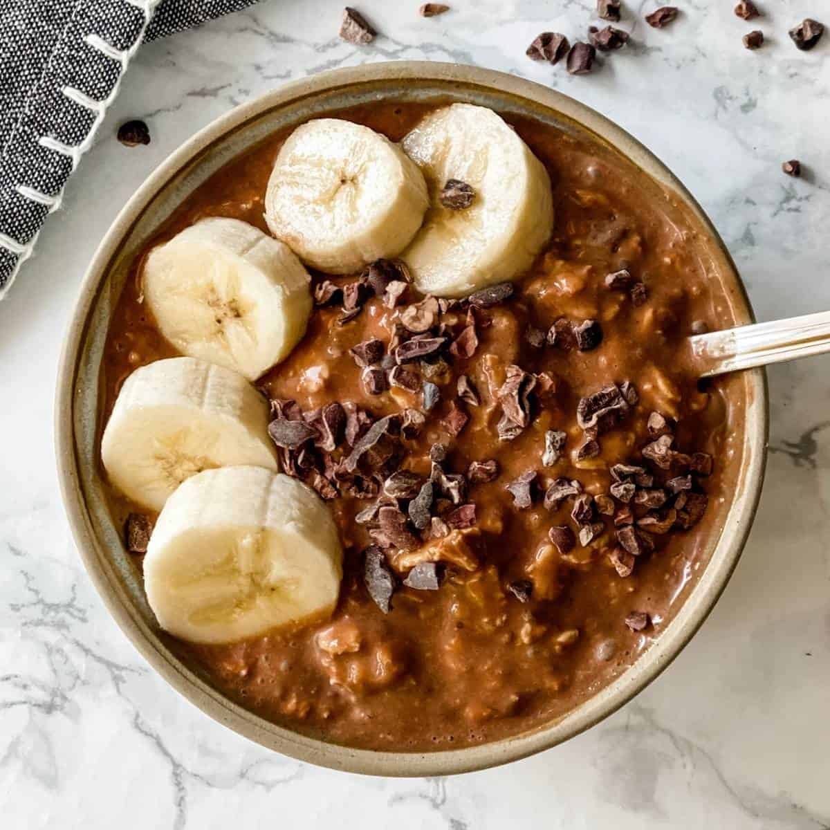 chocolate banana overnight oats. Delicious make-ahead healthy breakfast recipe.