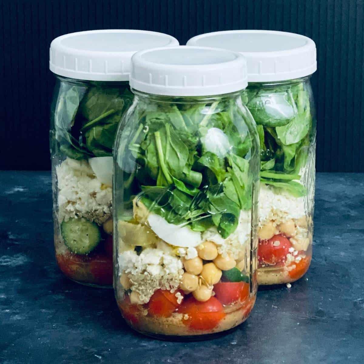 mason jar salad to meal prep for weight loss